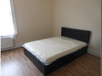 Large double room in Croydon.