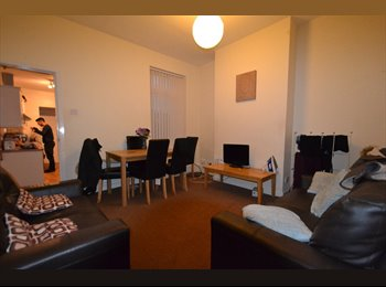EasyRoommate UK - Spacious Double Bedrooms available for house share - Selly Oak, Birmingham - £312 pcm