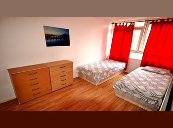 TWIN ROOM AVAILABLE IN SURREY QUAYS - ZONE 2 - ALL