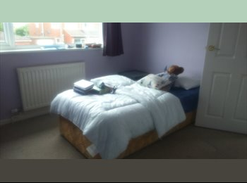 EasyRoommate UK - Double bedroom with additional single bedroom - Southam, Leamington Spa - £500 pcm