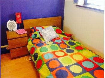 EasyRoommate UK - Room to rent - Gants Hill, London - £500 pcm