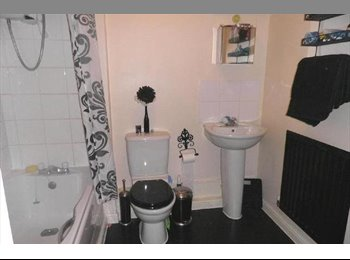 cheap small double room in a modern flat