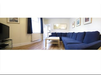EasyRoommate UK - Double Room, High Quality Postgrad Houseshare, - Cathays, Cardiff - £300 pcm
