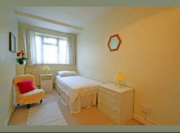 EasyRoommate UK - Twickenham TW2 - Flat Share – Single Room to Rent - Twickenham, London - £434 pcm