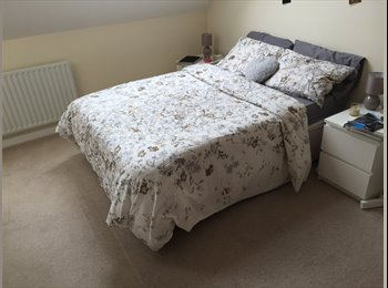 EasyRoommate UK - Spacious en-suite double room in Kensal Green - London, London - £995 pcm