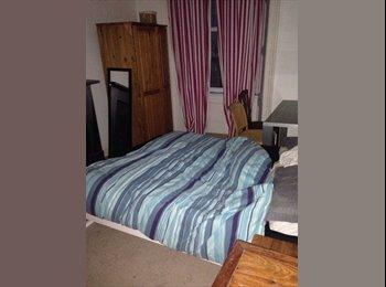 EasyRoommate UK - URGENT, double room to rent on Morningside - Morningside, Edinburgh - £400 pcm