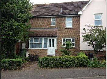 EasyRoommate UK - Looking for a Housemate - Langdon Hills, Basildon - £450 pcm