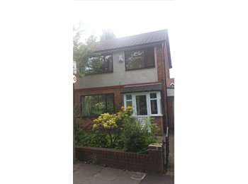 EasyRoommate UK - Double room for rent with live in landlord - Heaton Moor, Stockport - £400 pcm