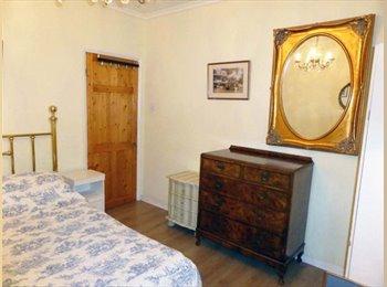 A double bedroom in a wonderful 3 bedroom flat