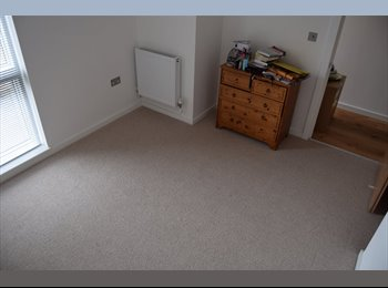 EasyRoommate UK - Large Double Room in a New Build, vfast to Central - Tulse Hill, London - £750 pcm