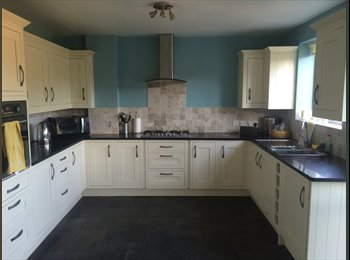 Double bedroom in large 5 bed house