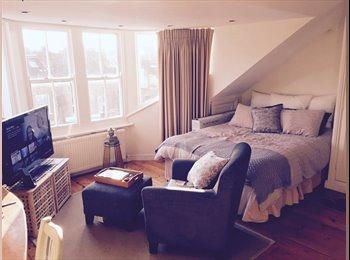 EasyRoommate UK - Stunning master bedroom with luxurious en suite - Battersea, London - £1,300 pcm