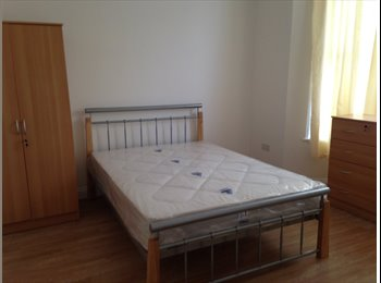 EasyRoommate UK - Cosy double room for a single occupancy - Stratford, London - £480 pcm