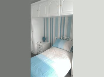 EasyRoommate UK - Single Room in Lovely Modern Flat New Gorbals - Glasgow Centre, Glasgow - £300 pcm