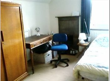 EasyRoommate UK - sunny south-facing single room + bike storage - Ealing, London - £630 pcm
