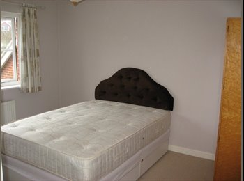 EasyRoommate UK - Great room for you in large shared house. (Kent) - Kingsnorth, Ashford - £450 pcm