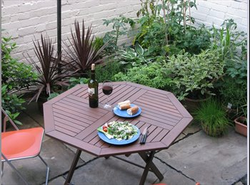 Very large double room to let in Victorian Terrace