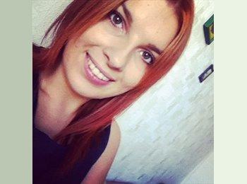 Kamile - 20 - Student