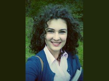 Lavinia  - 20 - Student