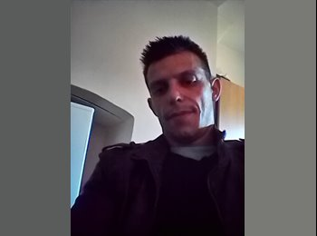 EasyRoommate UK - Vitor - 33 - Newark