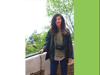 Ilaria  - 21 - Student