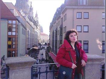 Adela - 28 - Student