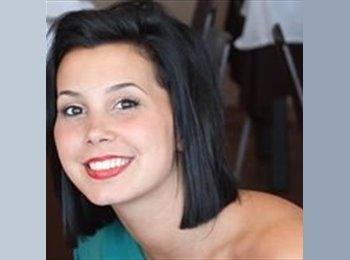Claudia - 22 - Student