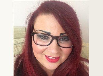 EasyRoommate UK - Anna  - 30 - Darlington
