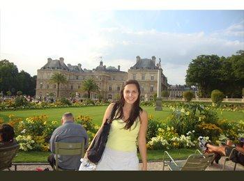 Leticia  - 26 - Student