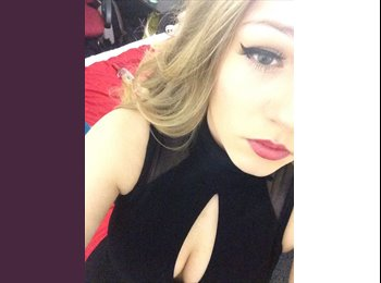 EasyRoommate UK - Juliana  - 18 - Salford