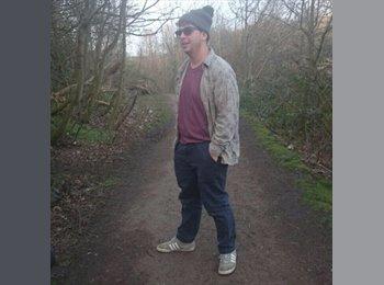 EasyRoommate UK - Chris  - 24 - Kirklees