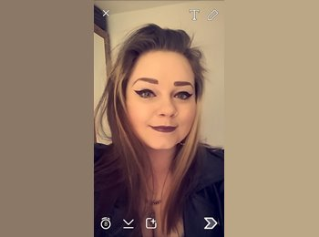 Yvonne - 27 - Professional