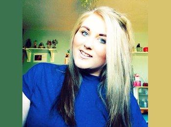 EasyRoommate UK - Michelle - 19 - Swindon
