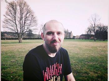EasyRoommate UK - Paul - 40 - Stafford