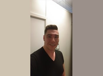 EasyRoommate UK - chris  - 23 - Leicester