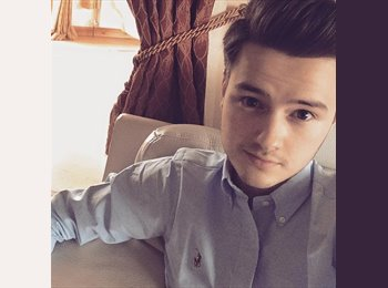 EasyRoommate UK - Tom  - 23 - Preston