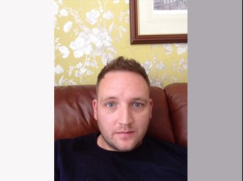 EasyRoommate UK - Rob - 30 - Preston