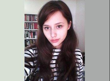 Eleanor - 23 - Student