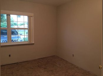 *~> Room for Rent <~*  (Near SSC & Uptown)