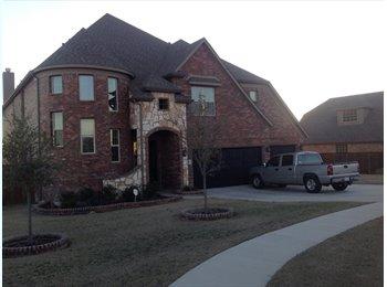 EasyRoommate US - Room For Rent - Westworth, Fort Worth - $650 pcm