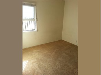 EasyRoommate US - Room Available now - Santa Ana, Orange County - $475 pcm