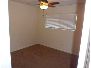 2 Rooms in Mission Valley, Close to I-15 and I-8