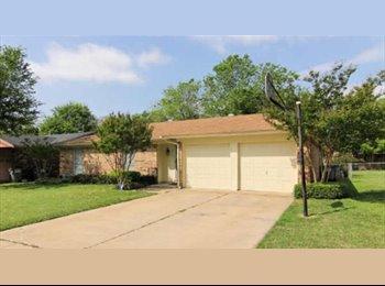 EasyRoommate US - Watauga home - North East, Fort Worth - $600 pcm