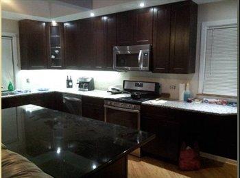 EasyRoommate US - Bedroom in fully remodeled house in Glenview - Forest Glen, Chicago - $499 pcm