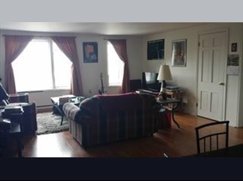 EasyRoommate US - Fall semester sublet - Burlington, Burlington - $466 pcm