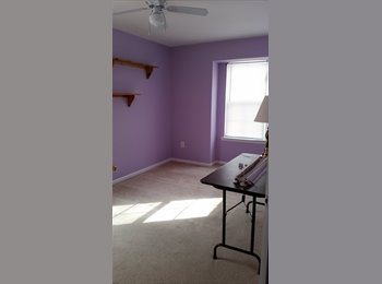 EasyRoommate US - Room for rent on top floor of townhouse - Gaithersburg, Other-Maryland - $600 pcm