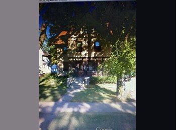 EasyRoommate US - 710 Wisco - Oshkosh, Oshkosh - $365 pcm