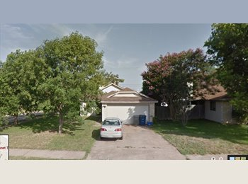 EasyRoommate US - !! Cute, updated, small home in North Austin - North Austin, Austin - $650 pcm