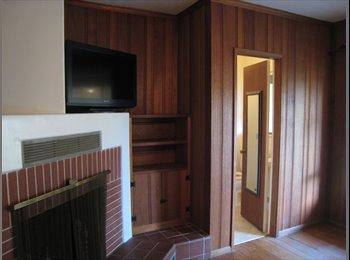Comfortable Home w/ Lg.Room/Private Bath in GG