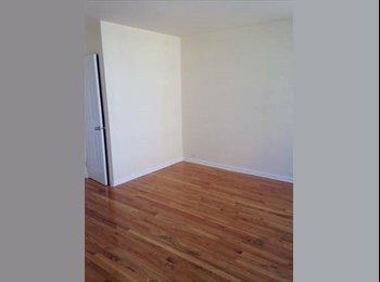 EasyRoommate US - $1350 / 1br - 800ft2 - 1 bedroom/ 1 bath , 5650 N - Edgewater, Chicago - $1,350 pcm